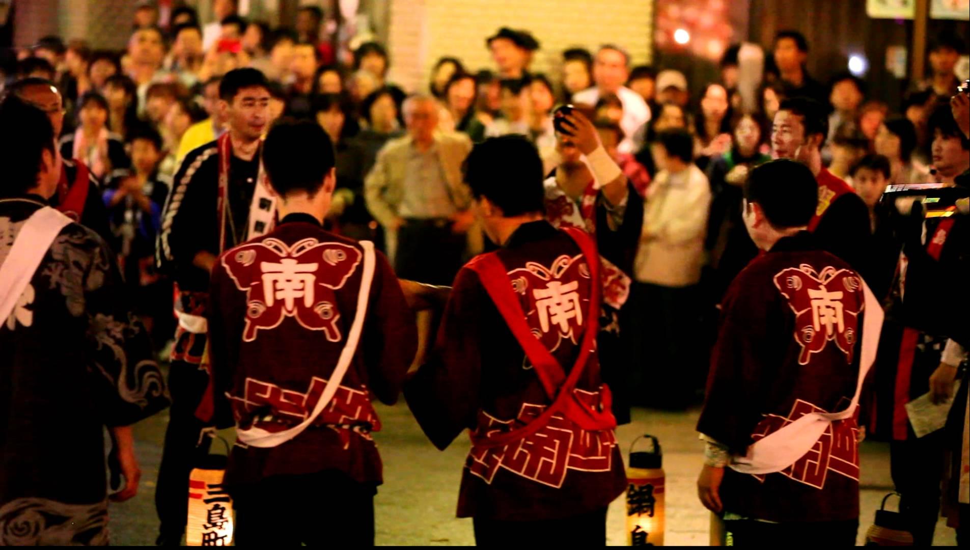 砺波夜高祭り(砺波市 6月)