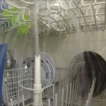 食洗器の中の動画