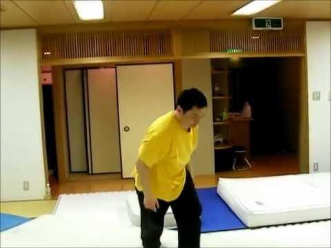 バク宙 動画