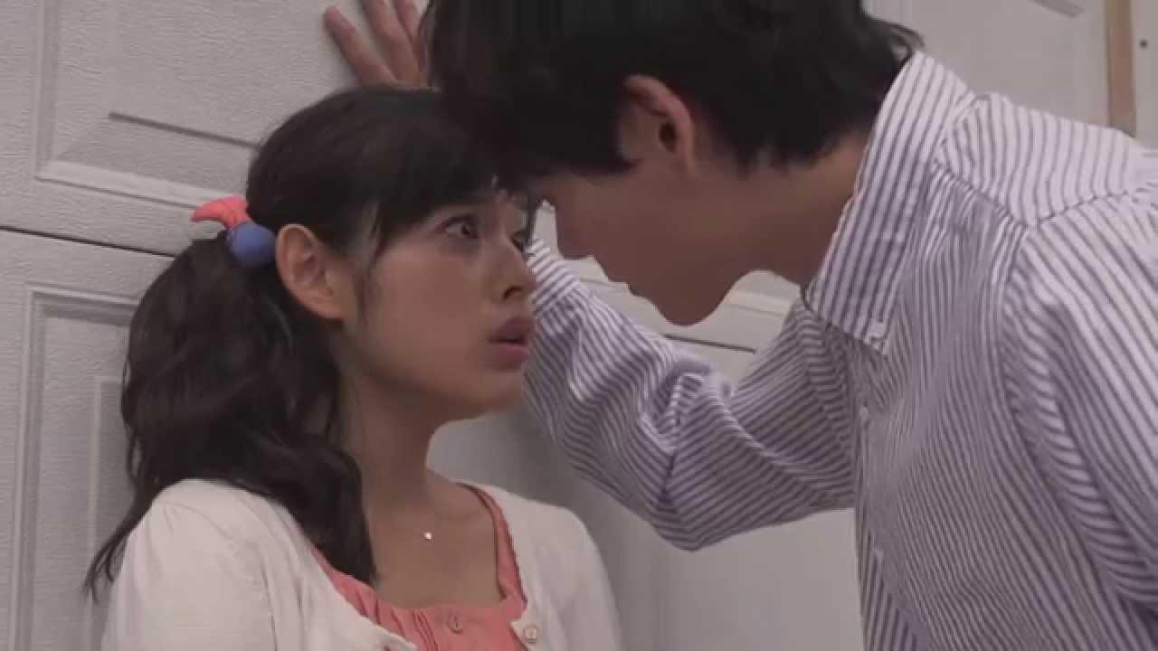「イタズラなKiss2 」キス寸止め&壁ドンの 胸キュン動画!
