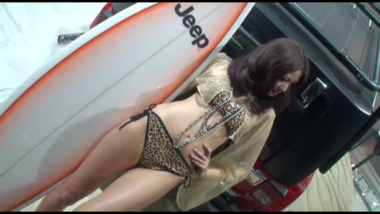 美女のサーフィン動画!