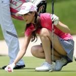 女子プロゴルファーのパンチラ画像!