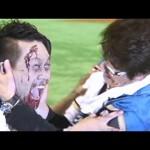 哀川翔が始球式でまさかのデッドボール!