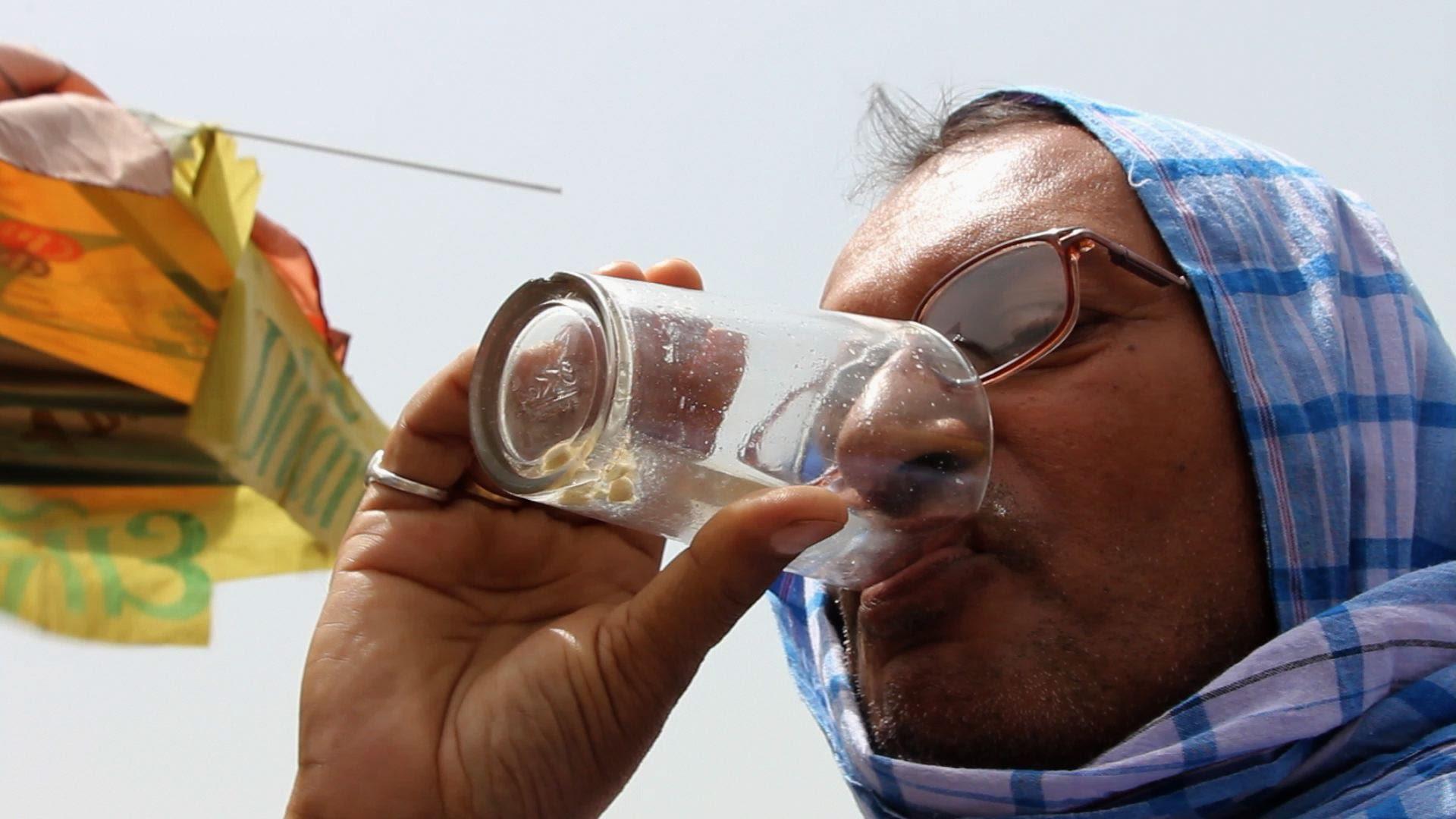 【インド熱波】最高気温がなんと45度!死者は2000人超に・・・
