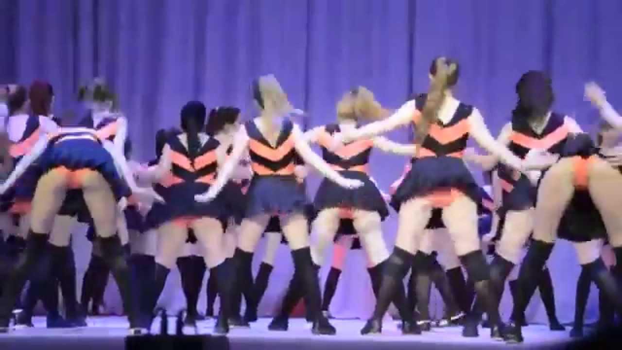 ロシアの女子学生が踊る超エロいダンス動画!