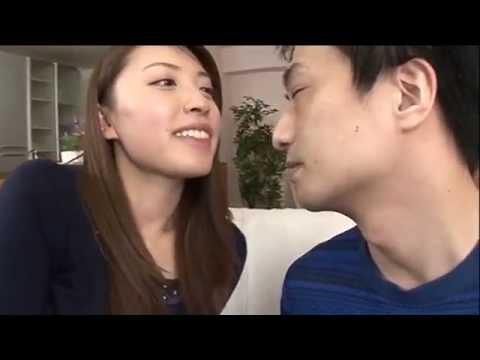 キスがしたくてたまらない奥さんの動画!