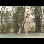 【おっぱい激揺れ】水着でテニスをプレイ!