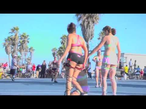 美女たちが下着でバスケをプレイ?!「ランジェリーバスケットボール」