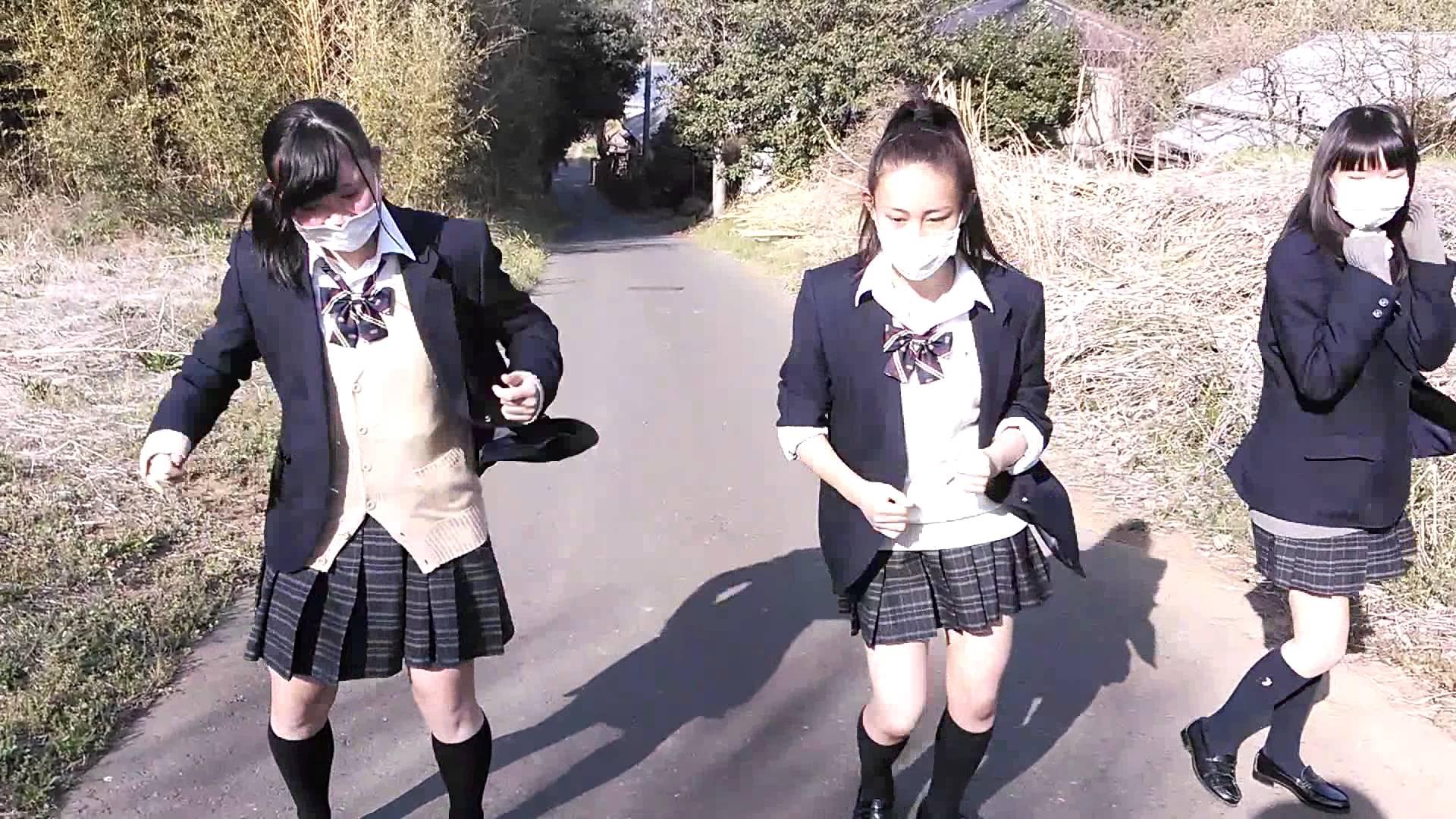 女子高生がちんこまんこ!「裏YoungKz」を歌って踊ってみた~