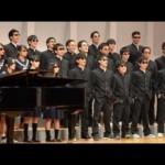 沖縄の宮古高校でクラス全員がサングラス姿で合唱祭!その理由とは?