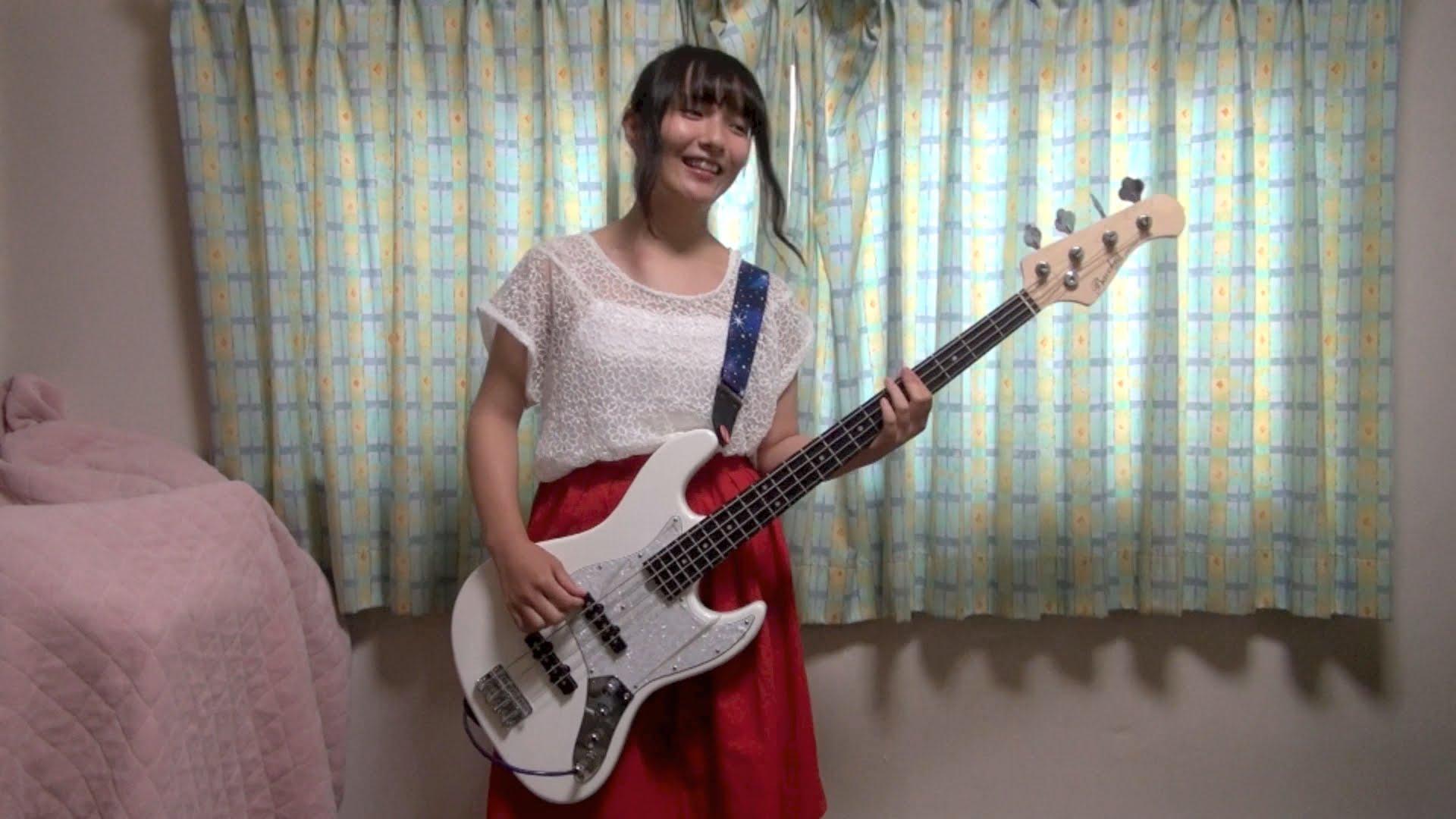 女子高生がギターを弾いてみた!