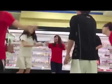 「魚売り場でサンバゲーム!」 スーパーで踊る青山学院のバカ学生