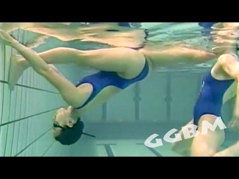 シンクロナイズドスイミング 180度開脚の柔軟トレーニング