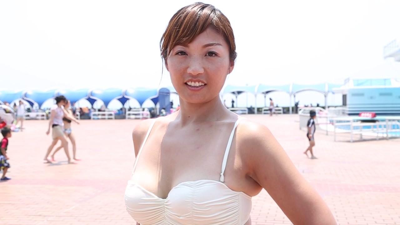 ビーチで発見したセクシー水着女子!