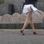 津軽の風が女性のスカートをめくった瞬間!