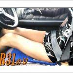 スカイラインR31を愛している女は、すごい美脚!