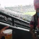 甲子園球場ビールの売り子は美女!