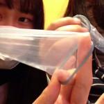 『初めてのコンドーム』女子中学生がコンドームを初体験!