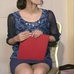 徳島えりかアナウンサーのミニスカート美脚動画