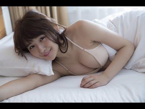 浅川梨奈 Eカップおっぱいセクシー水着動画集!